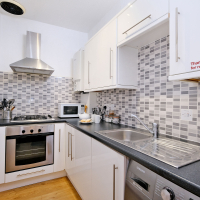 Broomhill Self Catering Apartment - Kitchen