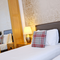 Broomhill Self Catering Apartment - Twin Room
